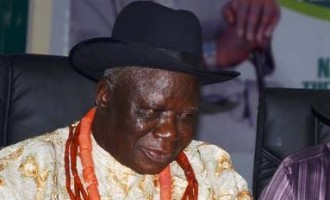 Police apologise to Edwin Clark over invasion of his residence