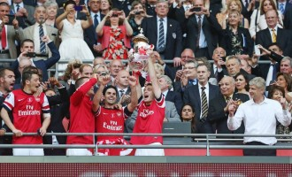 Arsenal lift FA Cup to end 9-year drought