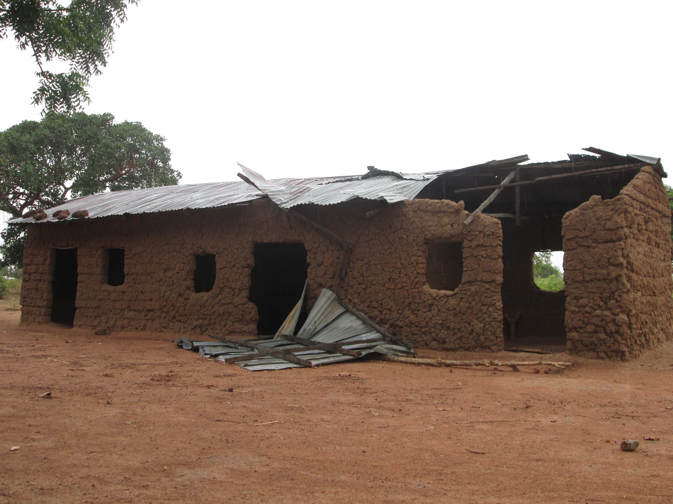 The school at Jajel ... A school or an abandoned hut?