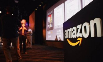 Amazon unveils its first 3D smartphone