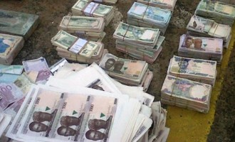 Naira loses 1.5k against dollar