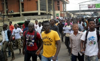 LASU students bent on continuing with street protests