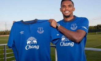 Everton sign Samuel Eto'o on two-year deal