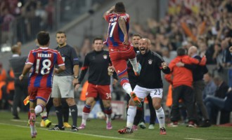 Boateng stunner sinks City as Chelsea are held at home