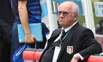 Banned Tavecchio receives backing of Italian FA