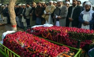 Pakistan buries 132 pupils killed by Taliban