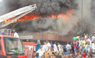 'Fire destroys N30bn worth of goods in Lagos market'