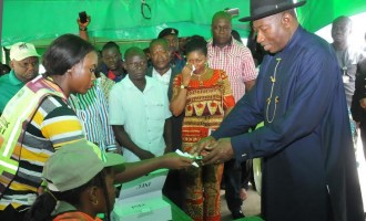 Jonathan finally accredited without card reader