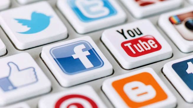 Role of social media in economic, political and social development of Nigeria