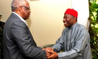 Danjuma: Ojukwu would have avoided civil war bloodshed if he emulated Jonathan
