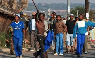 Xenophobia: S'African policemen vow to protect foreigners