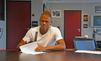 Clinton N'Jie moves to Spurs on five-year deal