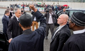 There's more to Nigeria than oil, Buhari tells French investors