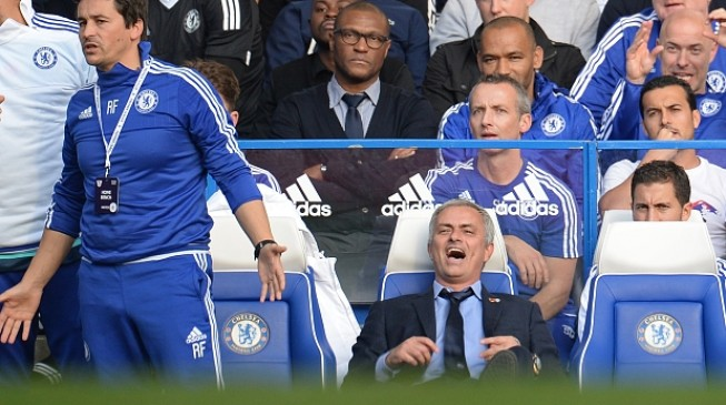 Mourinho on the brink as Klopp earns first PL win