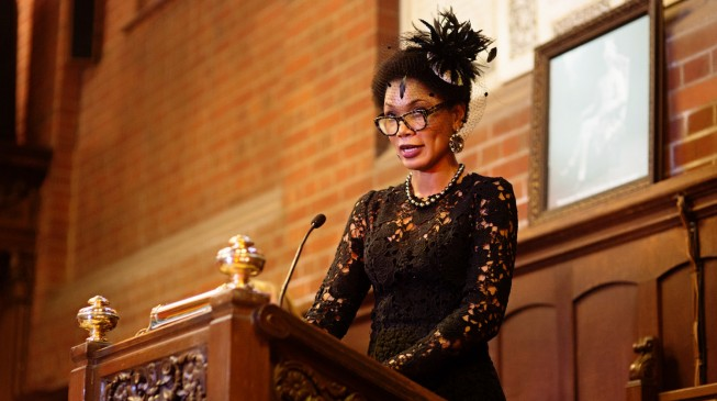 Iyanda receives historic UK varsity award
