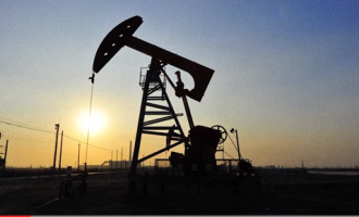 US oil ignores dollar strength, hits highest level in 7 months