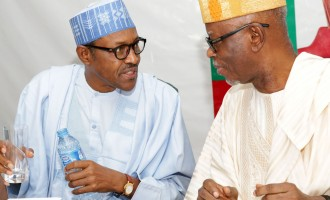 Oyegun: Buhari doesn't want to control the legislature like PDP did for 16 years