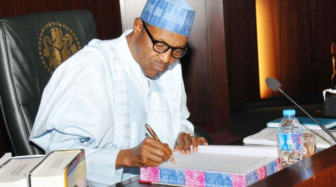 BREAKING: Buhari Finally Signs Delayed 2016 Budget Into Law