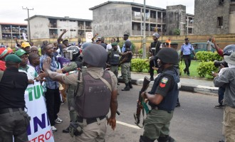 Rivers accuses police of planning to kill protesting students