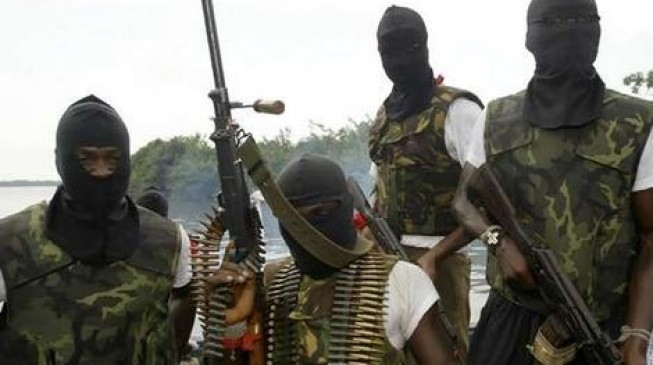 Hunt for militants who kidnapped British missionaries in Nigeria