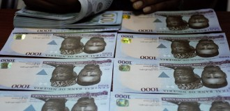 After crossing 300 mark, naira falls to 330 in less than 24 hours