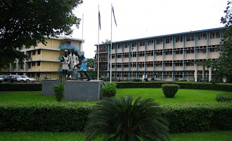 LUTH doctors protest suspension of colleague