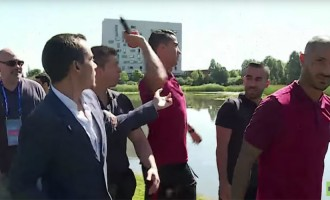 Ronaldo throws journalist's microphone into lake