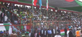 Crowd overpowers security personnel at PDP convention