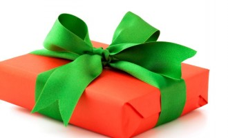 Police: Don't collect wrapped gifts from strangers this Christmas, they could be bombs