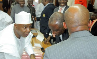 CCT adjourns Saraki's trial after complaint by lawyer