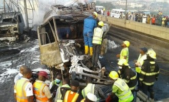 3 die as accident causes total traffic lockdown on Lagos-Ibadan expressway