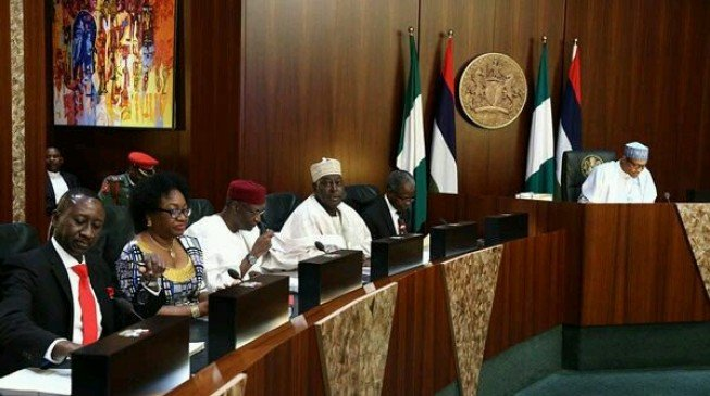 FG approves 2017 budget, shifts N290/$1 benchmark