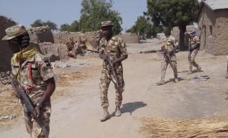 Troops kill 21 insurgents, rescue 1623 captives