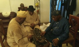 Drama as Jonathan visits Obasanjo's village