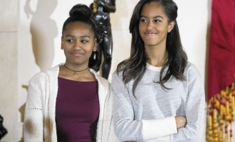 Bush sisters write emotional letter to Obama daughters