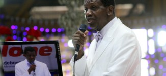 Pastor Adeboye shows he's human as RCCG Congress ends