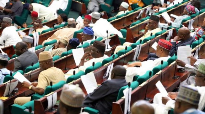 Reps mull overriding Buhari on bills