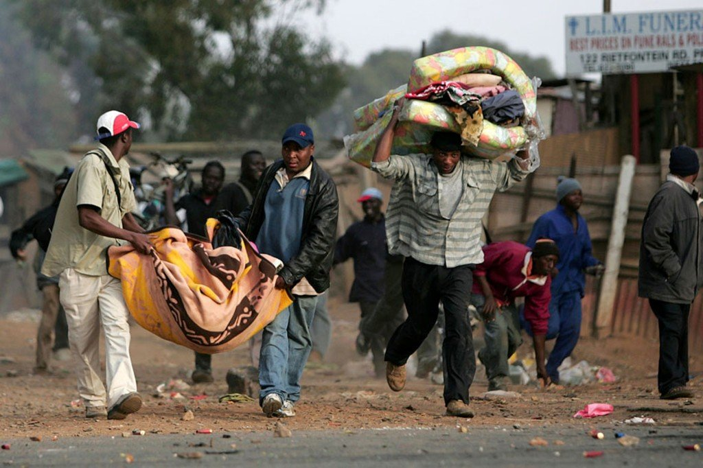 100 South Africans Raid Foreigners' Shops In Latest
