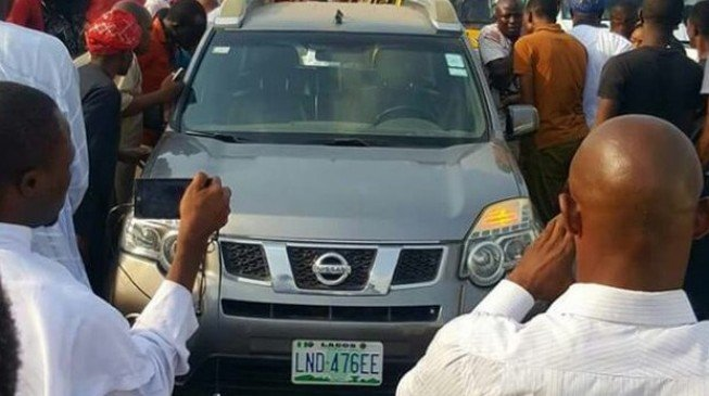 Doctor commits suicide after 'ordering driver to park' on third mainland bridge
