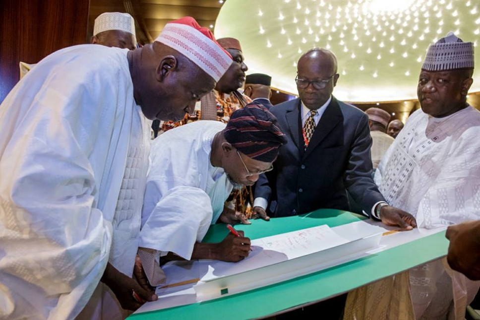 Buhari hosts governors at Aso Rock