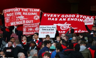 Arsenal fans want 'Wenger out'