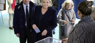 France: Voting begins in unpredictable presidential election