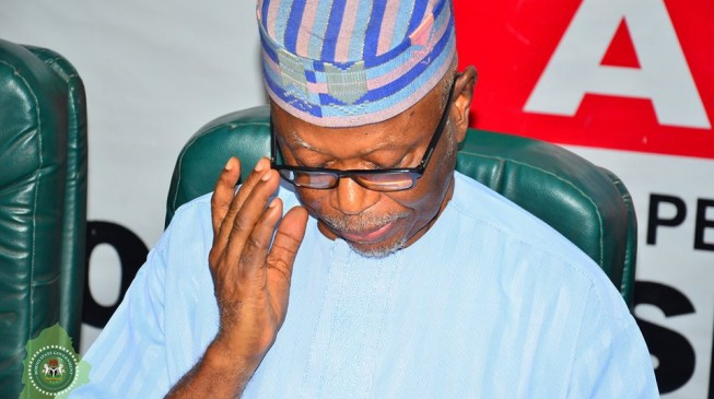Lagos APC rejects extension of Oyegun's tenure