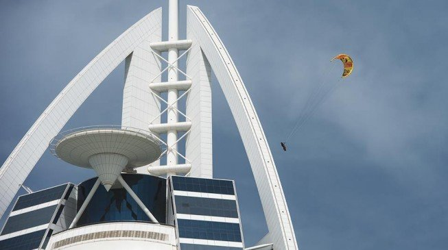 Kitesurfer jumps off Burj al-Arab, third tallest building in the world