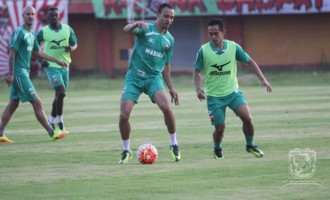 Odemwingie scores on Indonesian league debut