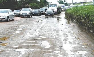 After Fashola, Ambode row, Osinbajo gives Lagos approval to repair airport road
