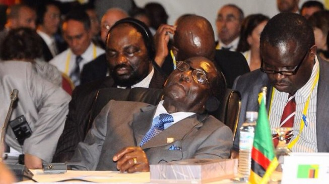 Mugabe doesn't sleep at public functions, he just closes his eyes to avoid light, says spokesman