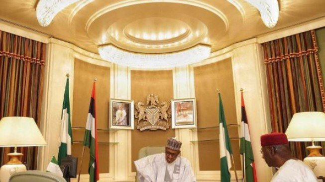 Buhari Meets Leadership of APC, PDP