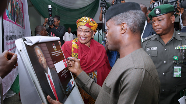 Yemi Osinbajo visits Abuja market to check food prices