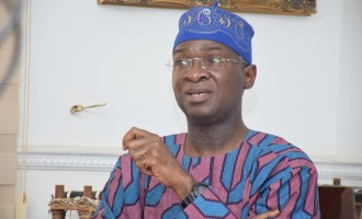 Dangote will extend Apapa road construction to Oshodi, says Fashola